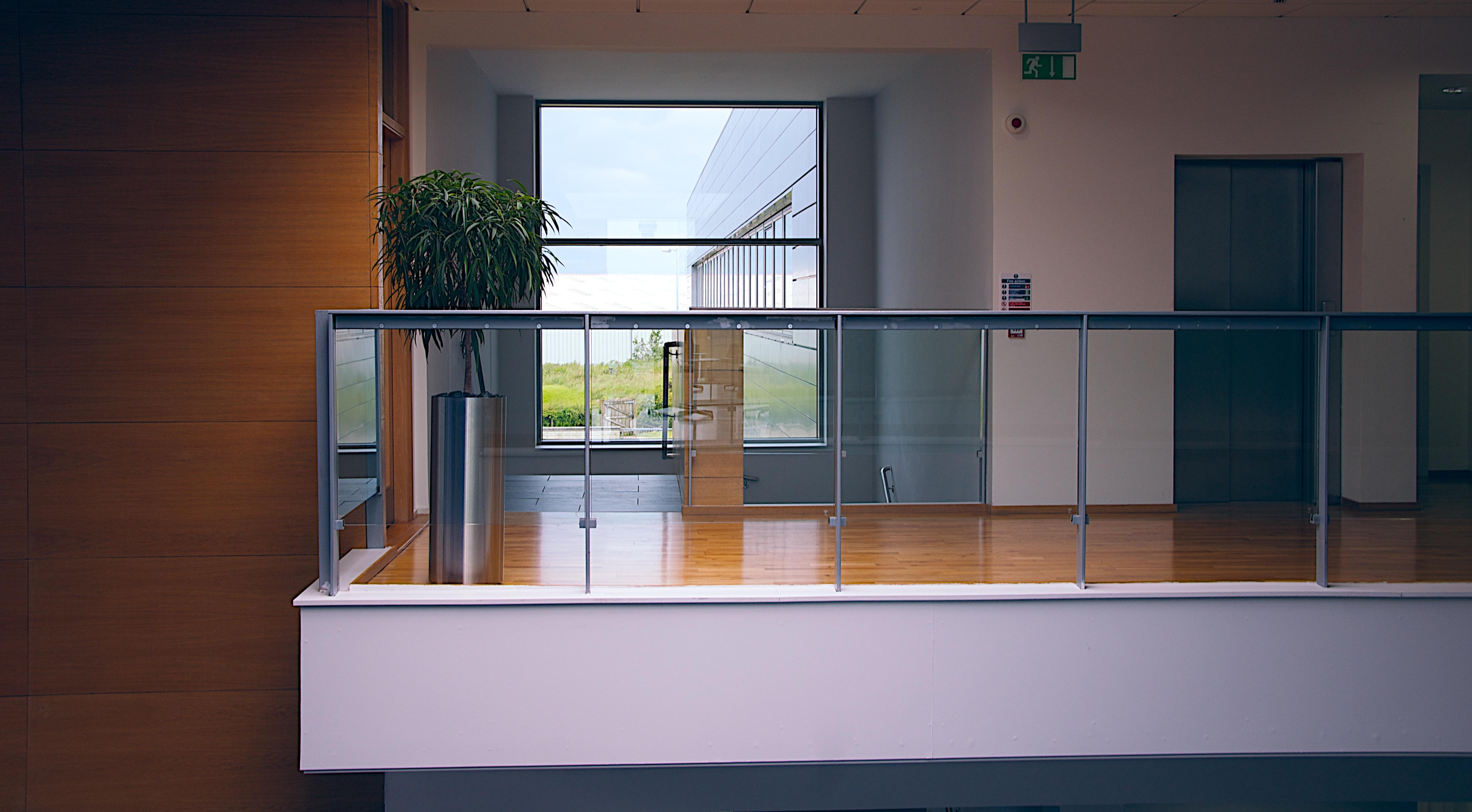 modern-office-1044807